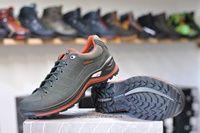 Lowa Renegade nízka | Dotsport.sk Air Max Sneakers, Sneakers Nike, Cleats, Nike Air Max, Shoes, Fashion, Nike Tennis, Football Boots, Moda