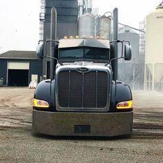 Monday truckin vibes {R Peterbilt 386, Volvo Trucks, Peterbilt Trucks, Rv Truck, Big Rig Trucks, Trucks For Sale, Lowered Trucks, Semi Trucks, Heavy Construction Equipment