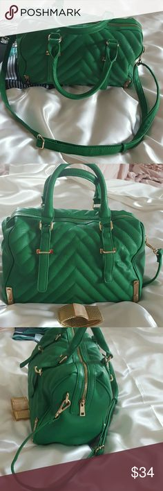 CHARMING CHARLIES Crossbody! MAKE OFFER. Gold Accents and Zipper. 3 pockets inside.   Quilted fayx leather outside. Excellent condition!  Roomy bag. Use as corssbody, shoulder bag or handbag.  Kelly green. Perfect for Spring and Summer.  Polyester black and white striped inside. Bags Crossbody Bags