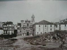 Iglesia de San Jorge. Antes de ser construida la Plaza de María Pita.  A Coruña. Spain