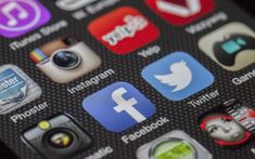 Comment concilier réseaux sociaux et travail efficace ?