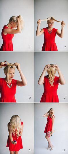 Para cachos rápidos, coloque o seu cabelo em um rabo de cavalo antes de dividir e enrolar.