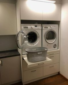 Clever laundry room layout