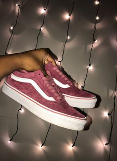 28 Vans Shoes That Look Awesome # Vans Vans-Schuhe, die fantastisch aus. - 28 Vans Shoes That Look Awesome # Vans Vans-Schuhe, die fantastisch aussehen - Vans Sneakers, Sneakers Fashion, Fashion Shoes, Tenis Vans, Cute Vans, Cute Shoes, Me Too Shoes, Awesome Shoes, Mode Adidas