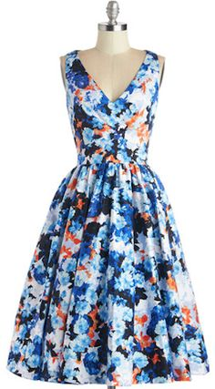 pretty floral dress http://rstyle.me/n/idufrr9te