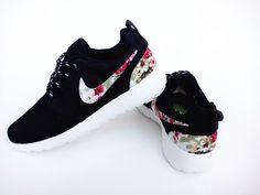 Nike Roshe Run Mesh Black Flower For Men and Women
