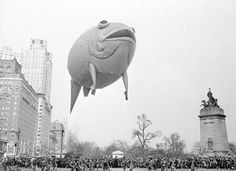 Date unknown- Thanksgiving Day parade in New York City.  (viaretrogasm)
