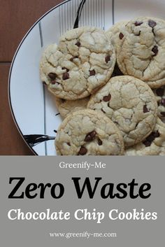 Zero Waste Chocolate Chip Cookies - No one can resist these zero waste chocolate chip cookies. Soft, chewy and delicious, they'll melt right in your mouth. They're also super easy to veganize! These easy homemade chocolate chip cookies are completely waste free. You won't want to share. #zerowaste #zerowastekitchen #zerowasterecipes #zerowastelifestyle #zerowasteliving #homemadecookies #chocolatechipcookies