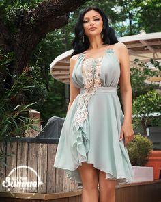 Disponibila pe www. High Low, Summer, Inspiration, Dresses, Fashion, Biblical Inspiration, Moda, Summer Time, Vestidos