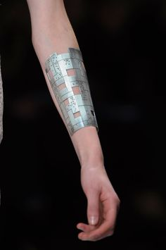 futuristic cuff, cyberpunk style, future fashion, industrial girl, had, accessories, cyberpunk jewelry, industrial jewelry