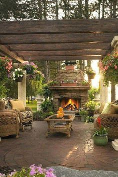 There are many ideas to create beautiful outdoor spaces for you and your family hang out. Check ways to improve your patio, garden or backyard at https://glamshelf.com #homeideas #frontyards #patios #terrace