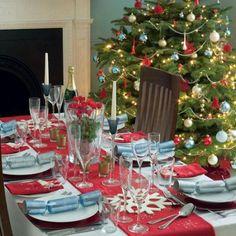 Une jolie décoration de table, des accessoires aux couleurs de noël ! Idee  Deco,
