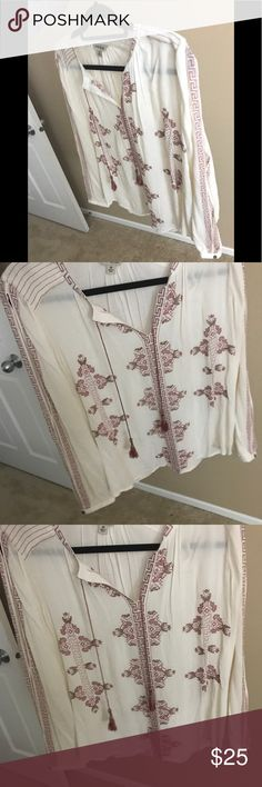 LUCKY BRAND OPEN SLV EMBROIDERED LS. TOP MEDIUM LUCKY BRAND BOHO LONG SLV TOP WITH OPEN ARMS, PRETTY EMBROIDERED MAUVE PRINT- NEW WITHOUT TAGS Lucky Brand Tops Blouses