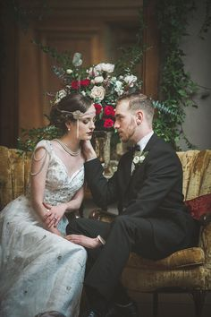 Wedding Themes Lavish Gatsby Wedding Inspiration from Ally Kristensen and Sue Gallo Designs - A vision of opulence and dripping in Art Deco details, this inspiration shoot could have come directly from the pages of an F. Great Gatsby Themed Wedding, Roaring 20s Wedding, 1920s Wedding, Art Deco Wedding, Wedding Themes, Wedding Events, Dream Wedding, Wedding Dresses, Wedding Ideas