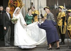 Check out that stunning emerald attendant at the Archduchess of Austria's wedding. Oh, and the veil, too!