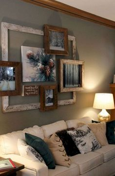 Amazing Rustic Living Room Farmhouse Style Decorating Ideas - Decoration for All Country Farmhouse Decor, Farmhouse Style Decorating, Farmhouse Ideas, Rustic Decor, Country Living, Primitive Decor, Rustic Living Room Decor, Western Wall Decor, Rustic Room