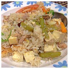 Office Quick & Easy One Pot Rice Dish (办公室电饭锅菜饭)      Recipe link: 图片食谱 https://www.facebook.com/media/set/?set=a.560055567398861.1073741900.499250656812686&type=1