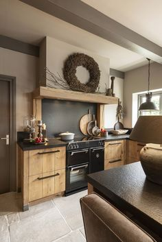 Country Kitchen, New Kitchen, Family Kitchen, Kitchen Units, Kitchen Cabinets, Cocinas Kitchen, Diy House Projects, Home Kitchens, House Plans