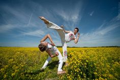 Nice picture by the students of ACMB Moscow (Academy of Capoeira Mestre Bimba).
