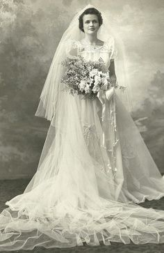 Free Vintage Brides Photographs for download. Beautiful women and wedding dresses carefully selected by Artsy Bee Digital for you to download.  Public Domain CCO. Free for personal and commercial use. Perfect for scrapbooking, crafts, decoupage and collag