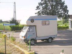 Ape car camper 200cc Slide In Camper, Mini Camper, Camper Caravan, Truck Camper, Camper Van, Old Campers, Small Campers, Retro Campers, Tiny Trailers