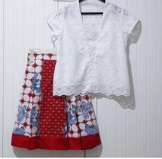 Batik Fashion, Ethnic Fashion, Girl Fashion, Fashion Outfits, Blouse Batik, Batik Dress, Retro Outfits, Kids Outfits, Dress Batik Kombinasi