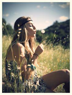 Vintage 60's flower child fashion, boho chic, modern hippie, dandelion blowing…