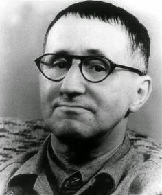 116 éve a mai napon született Bertolt Brecht német író, színházi rendező Samuel Beckett, United Nations Security Council, World Icon, Writers And Poets, Playwright, Interesting Faces, Second World, Book Authors, Vintage Posters