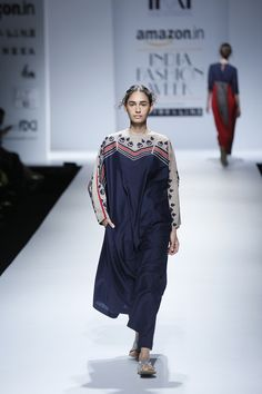 Indian Designer Outfits, Indian Outfits, Indian Designers, Indian Look, Indian Wear, Stylish Dresses For Girls, India Fashion Week, Indian Fashion, Womens Fashion