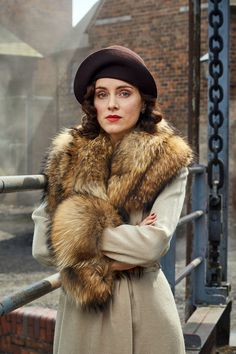Ada Thorne (née Shelby) is the fourth and only female of the Shelby sibling. She married Freddie Thorne and has his son, Karl. Ada is in a secret romantic relationship with known Communist and Thomas's ex-best friend, Freddie Thorne. Ada Peaky Blinders, Peaky Blinders Costume, Peaky Blinders Series, Aunt Polly Peaky Blinders, Sophie Rundle, Birmingham, Peeky Blinders, Red Right Hand, Ex Best Friend