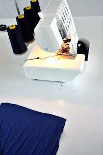 Tips overlock emma en mona: overlockles Bernina 800dl, Janome, Sewing Tutorials, Sewing Hacks, Sewing Tips, Sewing Ideas, Sewing Projects, Sewing Clothes, Diy Clothes