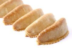 La Cuisine de Bernard: Les Cornes de Gazelles Marocaines