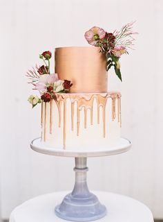 This jet-setting couple tapped into their upbringings as inspiration for their classic southern wedding on Blackbird Farm. Birthday Cake Roses, Pretty Birthday Cakes, Birthday Cakes For Women, Elegant Birthday Cakes, Bolo Drip Cake, Drip Cakes, Southern Wedding Cakes, Southern Weddings, Bolo Minnie