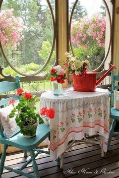 Porch table with geraniums Cottage Porch, Cottage Living, Cozy Cottage, Cottage Homes, Cottage Style, Garden Cottage, Red Cottage, Shabby Cottage, Country Living