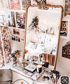 Bedroom Art, Bedroom Themes, Bedroom Apartment, Cool Dorm Rooms, College House, Bathroom Inspo, Beauty Room, Room Organization, My Room