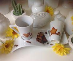 Vassoietto con tazzine caffè