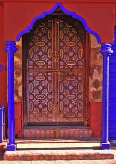 Doors in Libya I had to share this beautiful door with you.