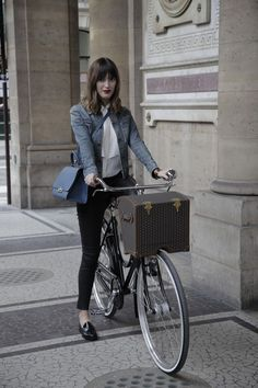 peone:    non—-sequitur: Jeanne Damas for Moynat via NOWNESS.      Easy on-the-go look: denim jacket, blouse, cigarette pants, loafers and a structured bag.