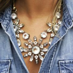 Large necklace.  ♥