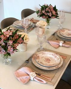 simple home decor Elegant Table Settings, Beautiful Table Settings, Table Etiquette, Welcome Table, Melamine Dinnerware, Christmas Tablescapes, Easter Table, Table Arrangements, Decoration Table