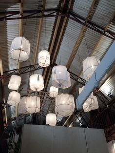 the amazing vtwonen barn - April and MayApril and May Barn Lighting, Interior Lighting, Home Lighting, Suspension Diy Luminaire, I Love Lamp, Cottage Interiors, Home And Deco, Dorm Decorations, Beautiful Interiors