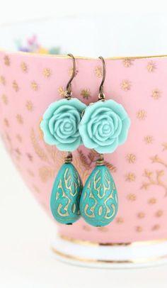 Green Dangle Earrings Flower Earrings Shabby