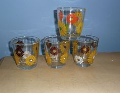 4 VINTAGE 1/2 PINT SOUR CREAM DRINKING GLASSES HAZEL ATLAS DAISY FLOWER POWER Vintage Glassware, Sour Cream, Flower Power, Shot Glass, Wine Glass, Tumbler, Drinking, Daisy, Heaven