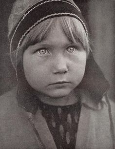 Saami Girl from Finnmark Norway, Photo 1930's - White Wolf : Rare, old photos of indigenous Sami people showcase their ancient and traditional way of life