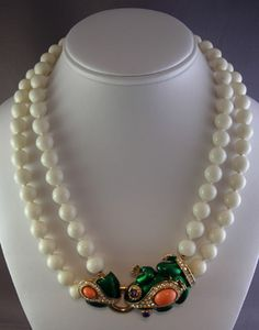 Vintage Costume Jewelry Price Guide: Ciner Bead Necklace with Frog Clasp
