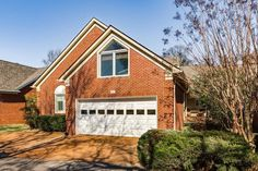For Sale - See photos and descriptions of 311 Calumet Trce, Murfreesboro, TN. This Murfreesboro, Tennessee Single Family House is 3-bed, 4-bath, listed at $249,000  MLS# 1797996. Casas de venta en Murfreesboro, TN.
