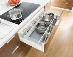 Pomocne szuflady w kuchni - organizacja i wygospodarowanie miejsca. Kitchen…