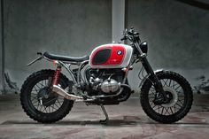 Motorecyclos BMW R80 right side view still
