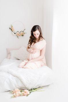 Maternité, Studio, Love, Mother, Baby, Pregnancy, Genève, Lausanne, Nyon, Photographe, Photography, Flowers, spring, fleur, fleurs, printemps
