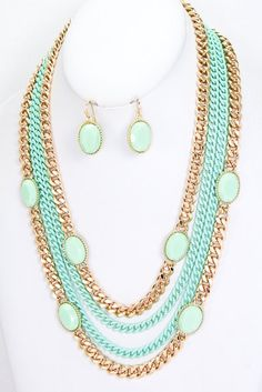 Gold and Mint Necklace - Chunky Mint Necklace - Chunky Gold Necklace - Gold Chain necklace - Statement Necklace - Metalic Chain Necklace